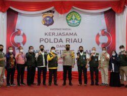Gandeng Unri 'Polda Riau Dorong Percepatan Herd Immunity Kampus
