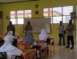 Sat Binmas Polres Pasangkayu Sambangi dan Mengajak Para Pelajar Agar Mau di Vaksin